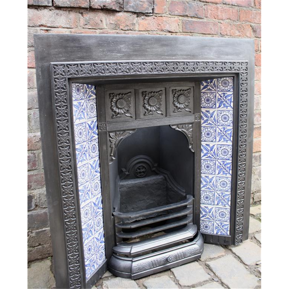 Victorian Tiled Grate in Cast Iron