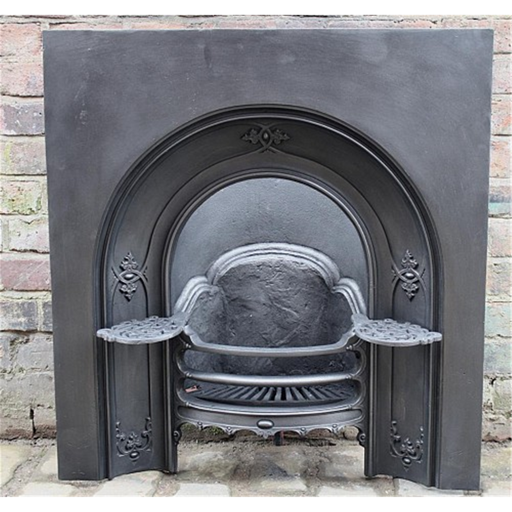 Early Victorian Arched Grate In Cast Iron