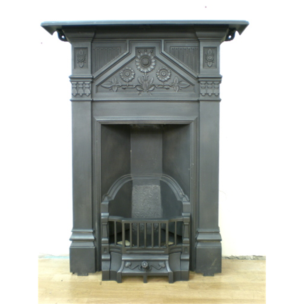 Late Victorian Combination Grate In Cast Iron With Daisy Decoration