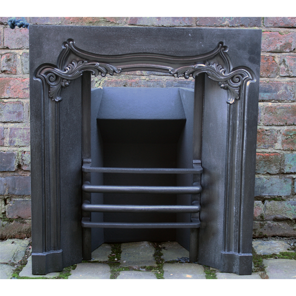 Small Cast Iron Early Victorian Grate