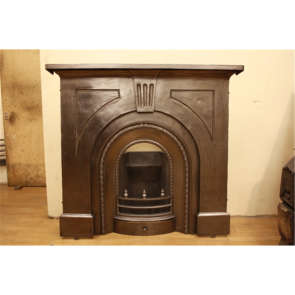 Late Victorian Fire Surround In Cast Iron