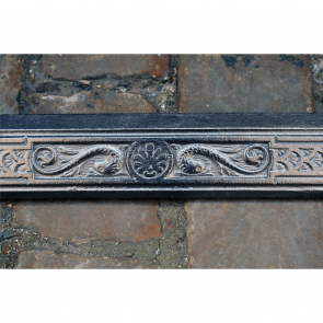 Late Victorian Fire Fender In Cast Iron